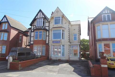 6 bedroom flat for sale - Lightburne Avenue, St Annes