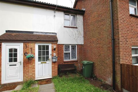 3 bedroom terraced house to rent - Gainsborough Drive, Houghton Regis