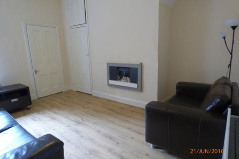 2 bedroom flat to rent - Warton Terrace, Heaton