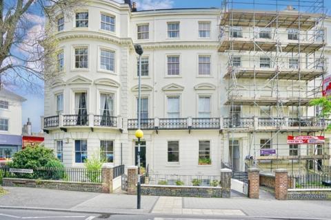 2 bedroom flat for sale - Montpelier Crescent