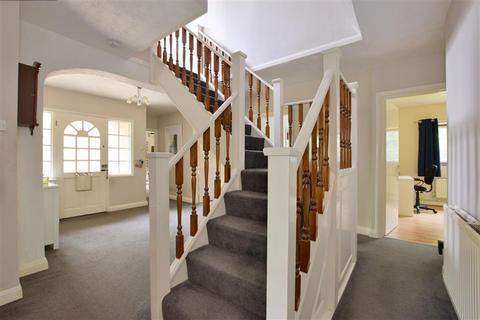 5 bedroom detached bungalow for sale - Tonbridge Road, Hildenborough, Tonbridge, Kent