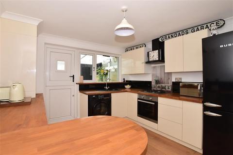 3 bedroom semi-detached house for sale - Meyer Road, Erith, Kent