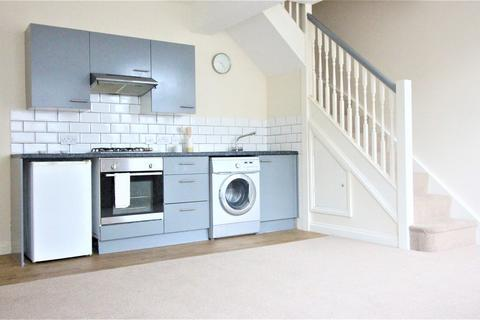 2 bedroom end of terrace house to rent - Hayling Avenue, Portsmouth