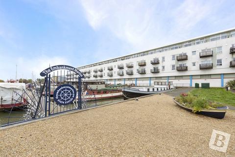 2 bedroom apartment to rent - Venture Court, Canal Road, Gravesend, Kent, DA12