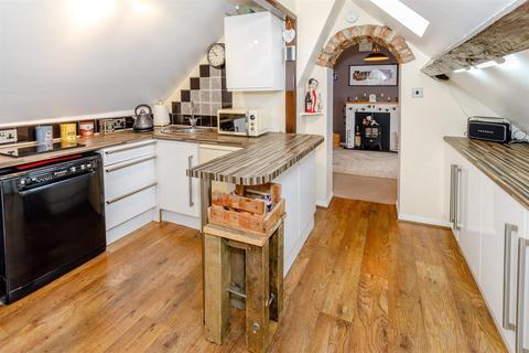 3 bedroom flat for sale - Long Street, Easingwold, York, YO61 3HY
