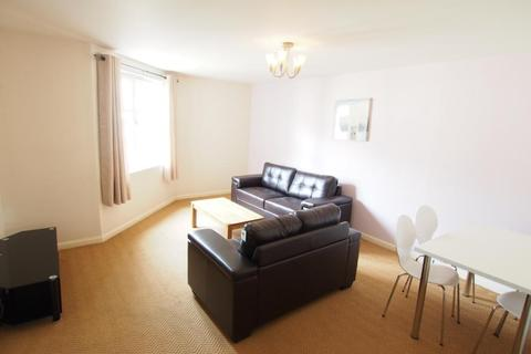 2 bedroom flat to rent - Riverside Manor, First Floor, AB10