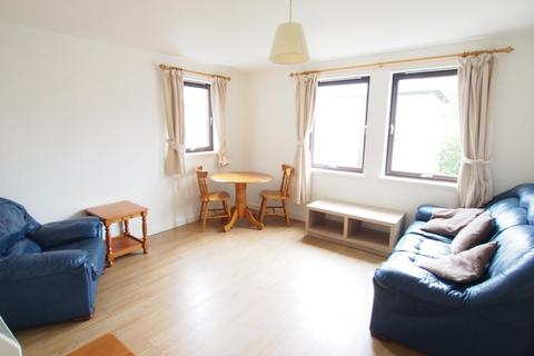2 bedroom flat to rent - Cherrybank Gardens, Top Floor, AB11
