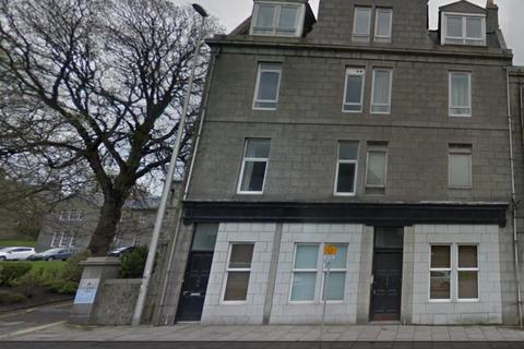 3 bedroom flat to rent - King Street, Flat D, AB24