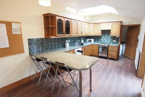 5 bedroom semi-detached house to rent - King Street, Aberdeen, AB24