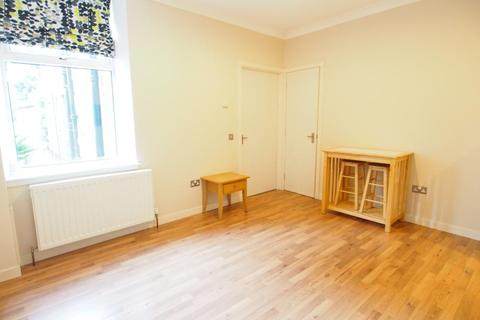 2 bedroom flat - Union Grove, Ground Right,