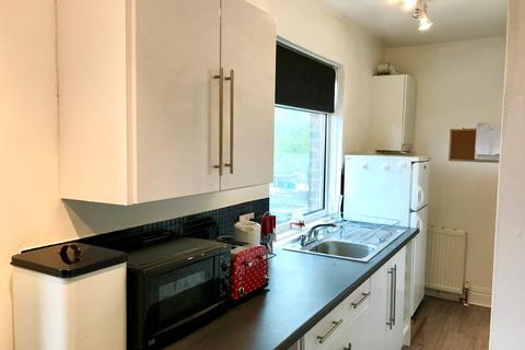 2 bedroom flat to rent - Newsham Road, Blyth
