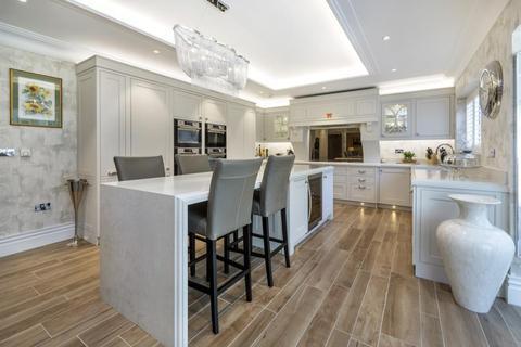 5 bedroom detached house for sale - Englefield Green, Surrey