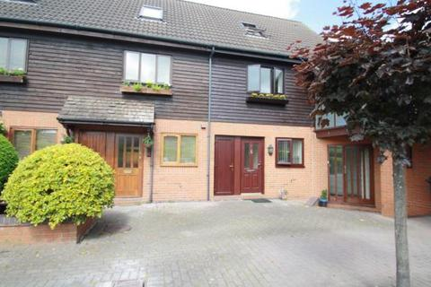 3 bedroom mews to rent - Barn Court, Lower Hall Lane, Clutton CH3