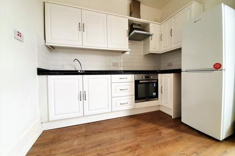 2 bedroom flat to rent - Green lanes, Hackney
