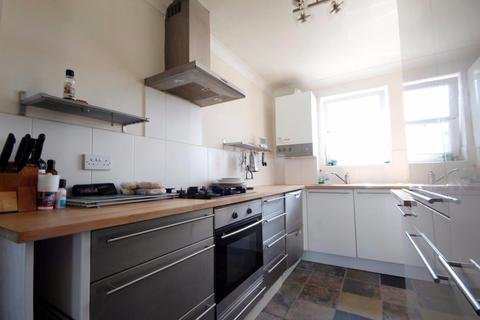 4 bedroom terraced house to rent - Trundleys Road, London, SE8