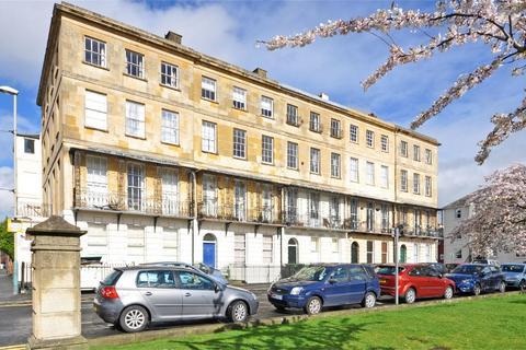 2 bedroom flat to rent - Cheltenham, Gloucestershire