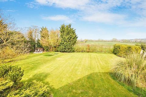 4 bedroom detached house for sale - Near Wendover