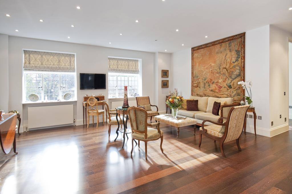 3 Bedrooms Flat for sale in Brompton Road, London. SW3
