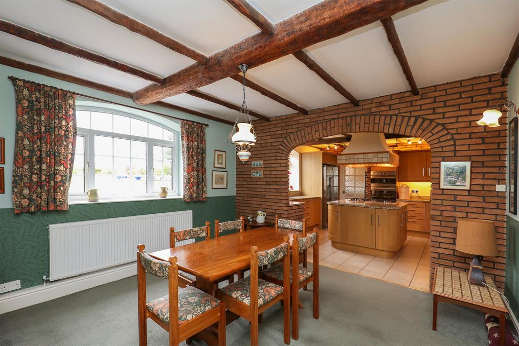 Dining Area   Kitchen