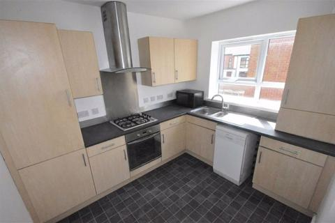 3 bedroom semi-detached house to rent - Maine Road, Manchester