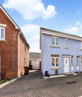 3 bedroom semi-detached house for sale - Middleton Close, Bracklesham Bay, West Sussex