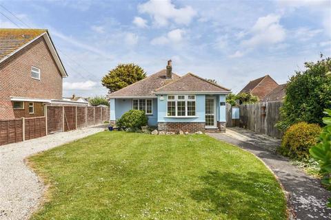 4 bedroom detached bungalow for sale - Peerley Road, East Wittering, West Sussex