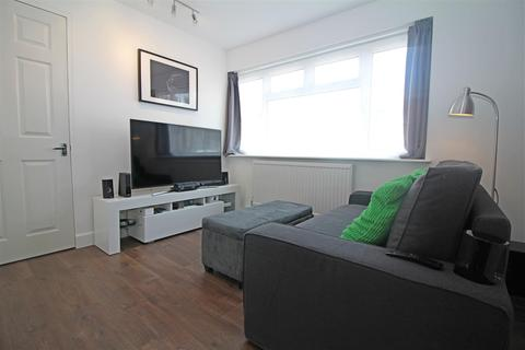 Studio for sale - The Fortunes, Harlow