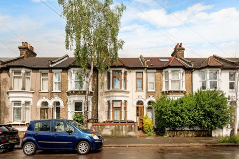 3 bedroom terraced house for sale - Madeira Road, E11
