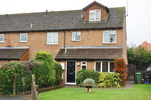 4 bedroom semi-detached house to rent - Eliot Drive, Marlow, Buckinghamshire, SL7