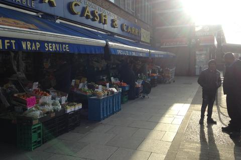 Shop to rent - South Road, Southall  UB1