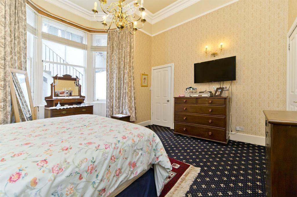 Master Bedroom   Bf