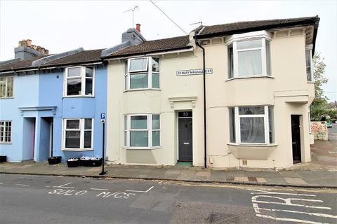 3 bedroom terraced house for sale - St. Mary Magdalene Street, Brighton, East Sussex. BN2 3HU