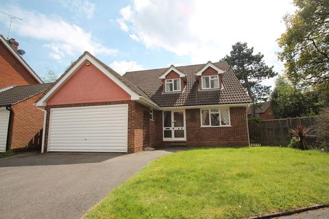 4 bedroom detached house for sale - Bishops Court Gardens, Chelmsford