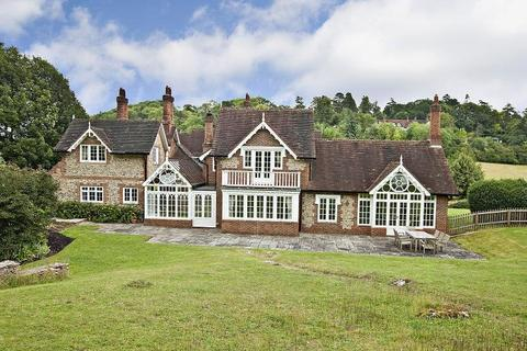 5 bedroom equestrian property to rent - Henley Road, Medmenham, Marlow, Buckinghamshire, SL7