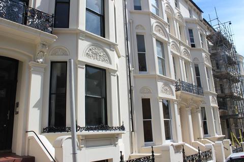Studio to rent - Cambridge Road, Hove, East Sussex, BN3 1DF