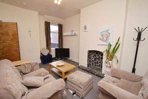 4 bedroom house to rent - Monica Grove, Manchester