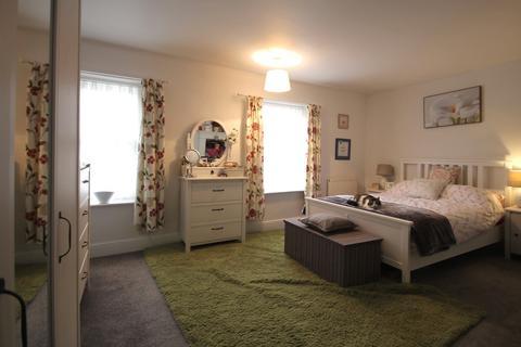 3 bedroom end of terrace house for sale - Oak Street, Fakenham