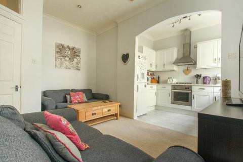 1 bedroom flat to rent - New Steine Mansions