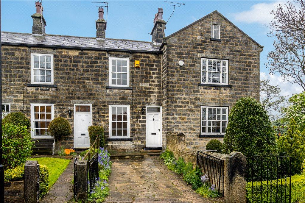 Yorkshire Terrace: Crofton Terrace, Leeds, West Yorkshire 2 Bed Terraced