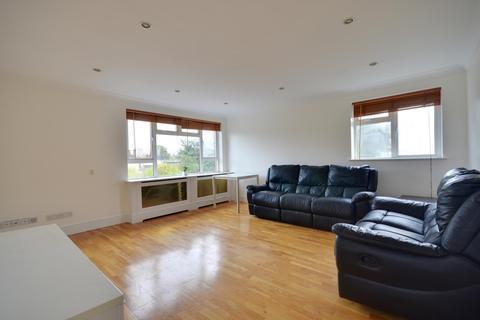 2 bedroom flat to rent - Cornwall Road, Uxbridge, Middlesex UB8 1BD