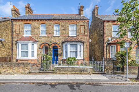 4 bedroom semi-detached house for sale - Walford Road, Uxbridge, Middlesex, UB8