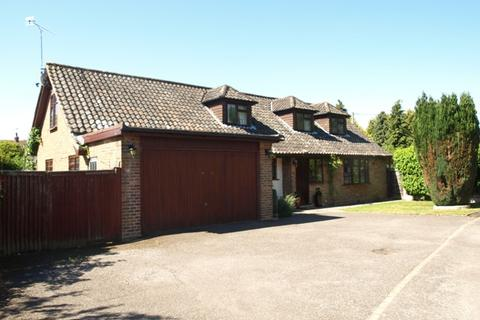 4 bedroom detached house to rent - Common Road, Stock CM4