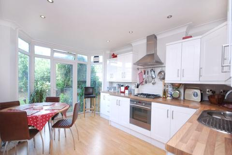 3 bedroom semi-detached house to rent - The Vale, London, NW11