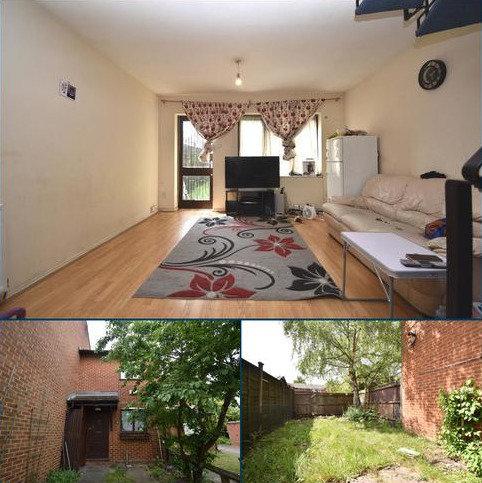2 bedroom terraced house for sale - Goosander Way London SE28