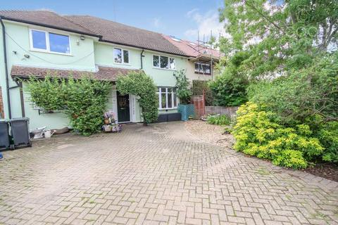 5 bedroom semi-detached house for sale - The Broadway, Loughton IG10