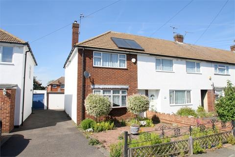 2 bedroom end of terrace house for sale - Stuart Way, STAINES-UPON-THAMES, Surrey