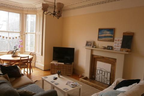 4 bedroom flat to rent - Hope Park Terrace, Newington, Edinburgh, EH8