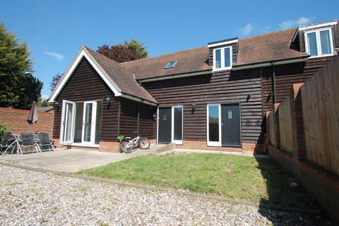 2 bedroom semi-detached house to rent - The Bringey, Great Baddow