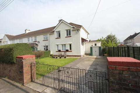 3 bedroom semi-detached house for sale - Lougher Place, St Athan