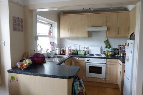 3 bedroom flat to rent - Borthwick Road, Bournemouth, BH1